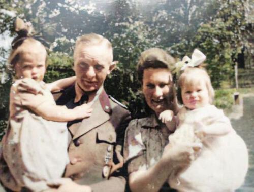 Familie Herrenkind ca. 1943